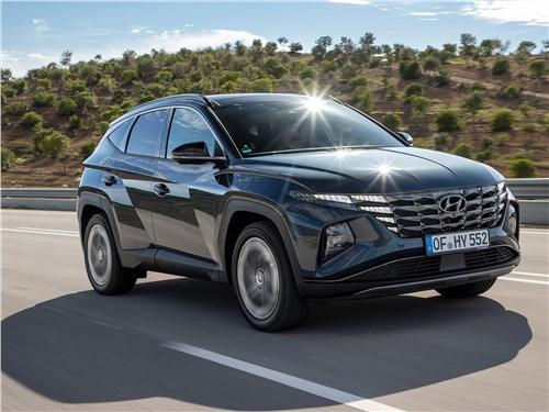 Hyundai Tucson (2021) вид спереди