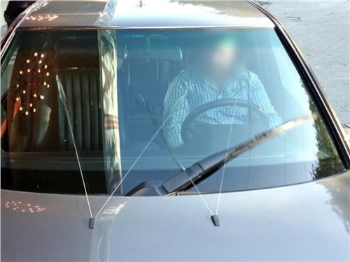 «Однорукая» щетка со сложнейшей кинематикой на Mercedes-Benz 190 W201 и E-Class W124 чистила невероятные 86% площади лобового стекла!
