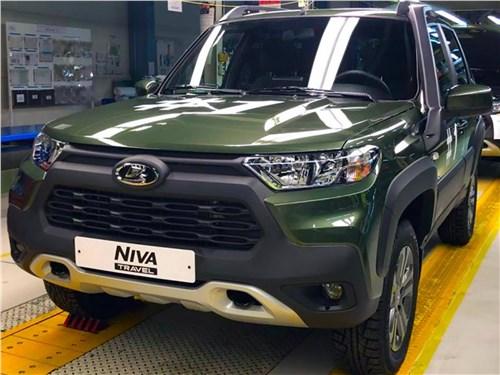 Предпросмотр lada niva travel (2021) вид спереди