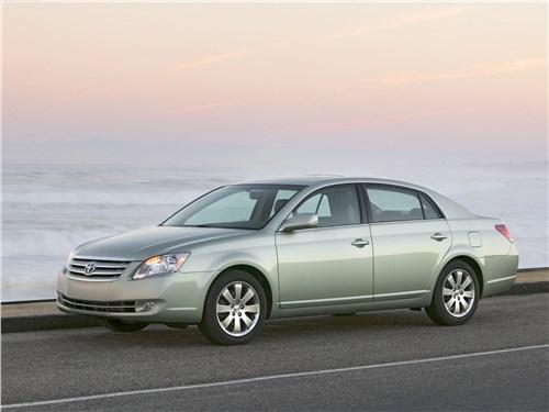 Toyota Avalon XLS (2006) вид сбоку
