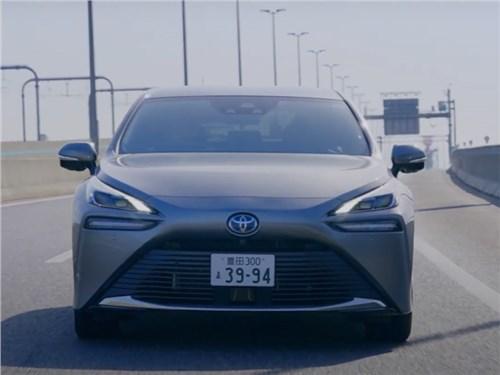 Новость про Toyota - Toyota показала новый автопилот