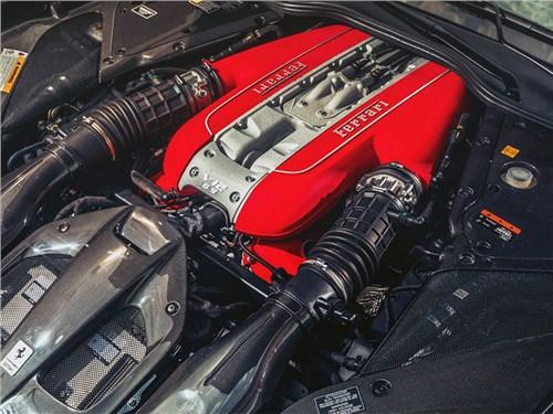 Новость про Ferrari - Ferrari не будет хоронить свой двигатель V12
