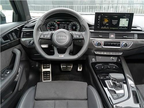 Audi A4 (2020) салон