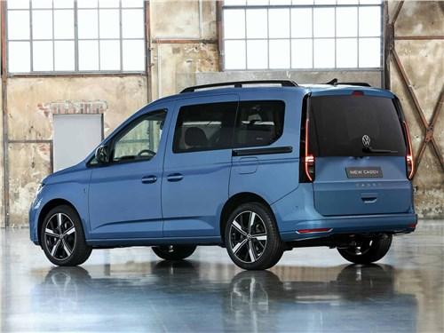 Volkswagen Caddy (2021) вид сзади