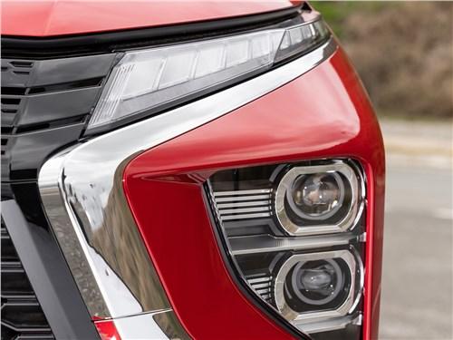 Mitsubishi Eclipse Cross (2022) передний свет