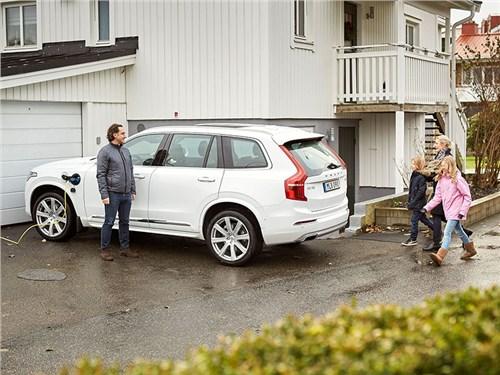 Volvo будет тестировать автономные автомобили на шведских семьях