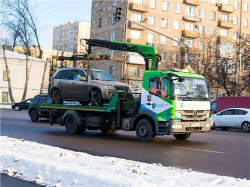 В России предлагают на время отменить эвакуацию из-под запрещающих знаков