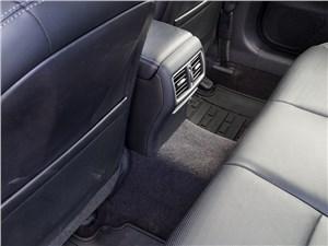 Infiniti Q50S Hybrid 2013 трансмиссионный туннель