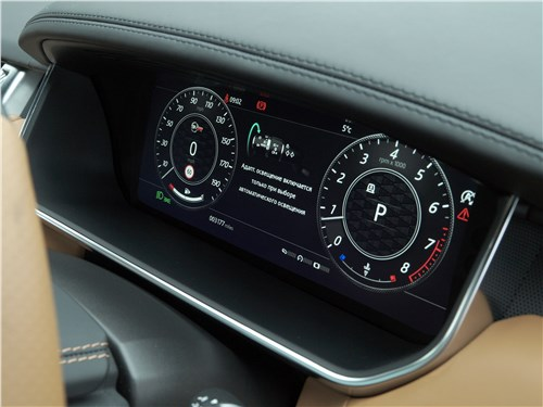 Land Rover Range Rover Sport SVR 2018 приборная панель