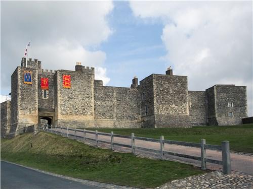 На протяжении восьми веков Дуврский замок был действующим оборонительным сооружением. Теперь же это замечательный музей