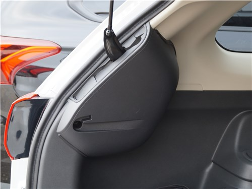 Mitsubishi Outlander 2018 электропривод двери багажника