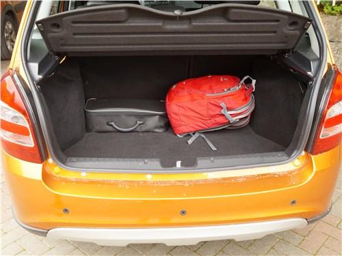 Предпросмотр lada granta cross 2019 багажное отделение