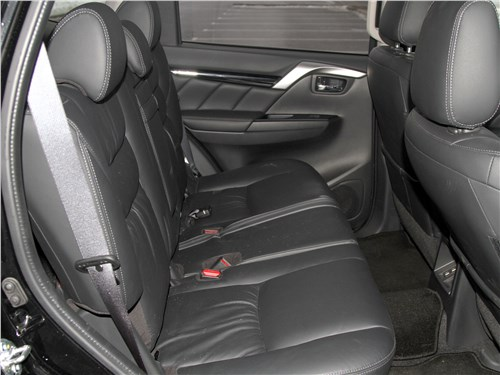 Mitsubishi Pajero Sport 2020 задний диван