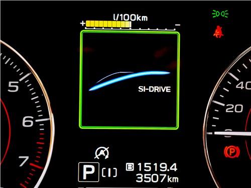 Subaru XV (2022) приборная панель