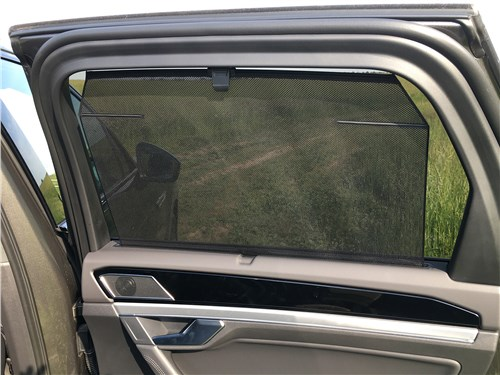 Предпросмотр volkswagen touareg r-line (2021) шторка на задней двери