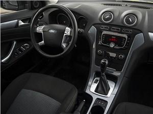 Ford Mondeo 2011 водительское место