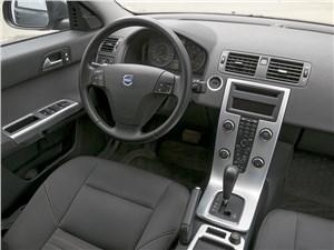 Volvo S40 2011 водительское место