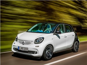 Предпросмотр smart forfour 2015 вид спереди сбоку на трассе