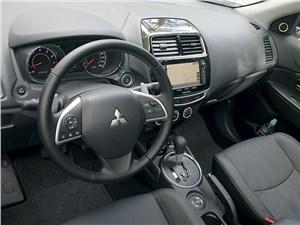Mitsubishi ASX 2014 водительское место
