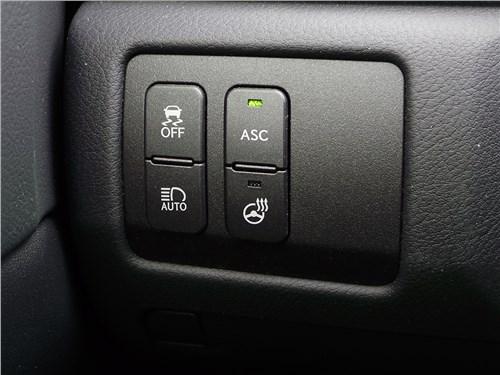 Предпросмотр lexus gs f 2016 кнопки слева от рулевого колеса