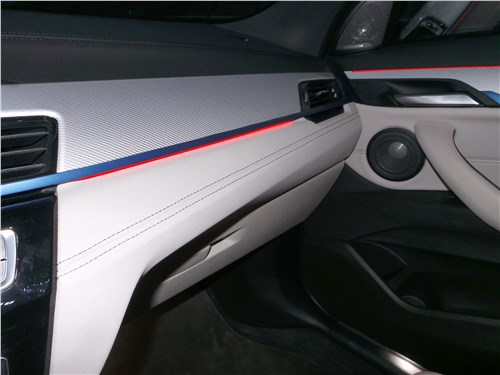 BMW X2 2019 салон