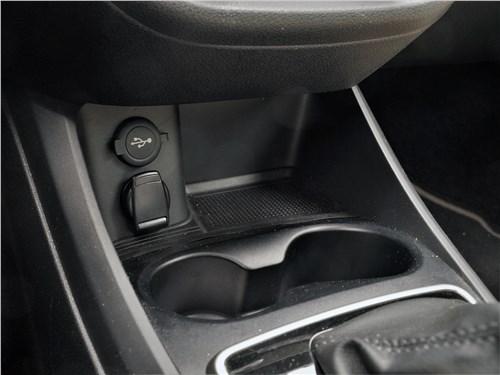 Lada Vesta SW Cross 2018 розетки