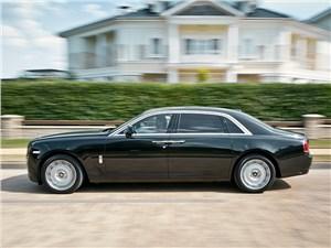 Rolls-Royce Ghost EWB 2013 вид сбоку