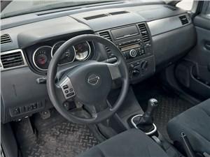 Nissan Tiida 2010 водительское место