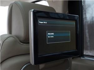 Предпросмотр range rover lwb 2014 10,2-дюймовые мониторы