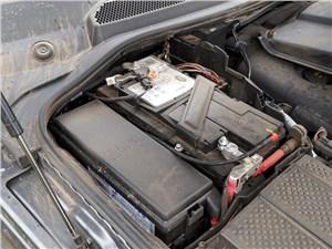 Land Rover Discovery 2014 аккумуляторы