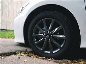 Предпросмотр lexus ct 200h 2011 колесо