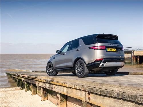 Новый Land Rover Discovery 2017 вид сзади