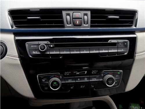 BMW X2 2019 центральная консоль