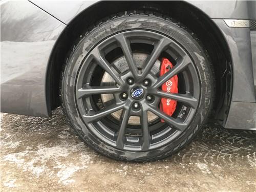 Subaru WRX Sport (2018) колесо