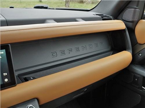 Land Rover Defender 90 (2020) торпедо