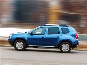 Renault Duster 2013 вид сбоку