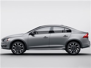 Volvo S60 Cross Country 2016 вид сбоку