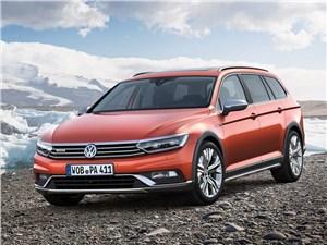 Volkswagen Passat Alltrack 2016 вид спереди