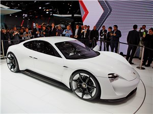 Запас хода электрического концепта Porsche Mission E – 500 км