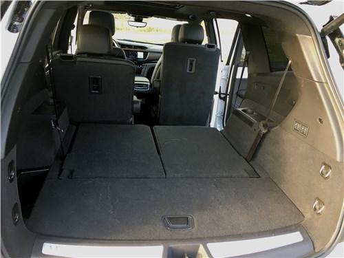 Cadillac XT6 2020 багажное отделение