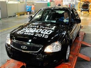 На «АвтоВАЗе» выпустили юбилейный экземпляр Lada Priora