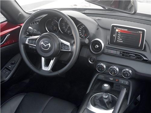Mazda MX-5 2015 водительское место
