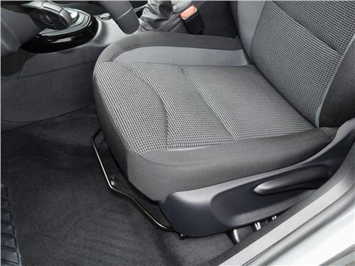 Предпросмотр peugeot 408 2017 передние кресла