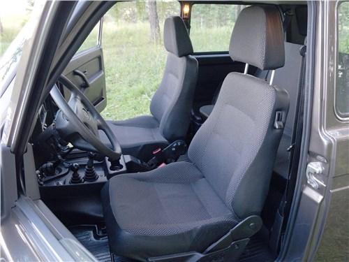 Lada 4x4 2017 передние кресла