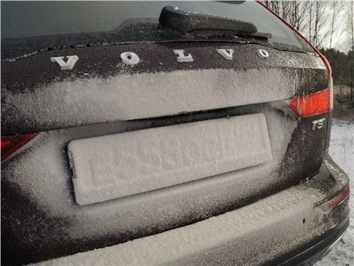 Volvo V60 Cross Country 2019 задняя дверь