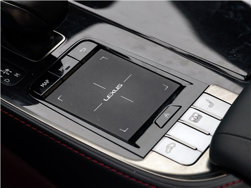 Lexus LS 500 2018 тачпад