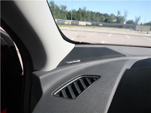 Mitsubishi Eclipse Cross 2018 динамик
