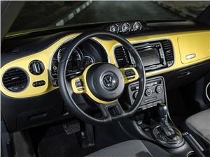 Предпросмотр volkswagen beetle 2015 водительское место