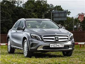 Mercedes-Benz GLA-klasse 2015 вид спереди