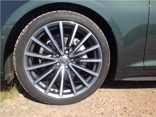 Audi A5 Coupe 2017 колесо
